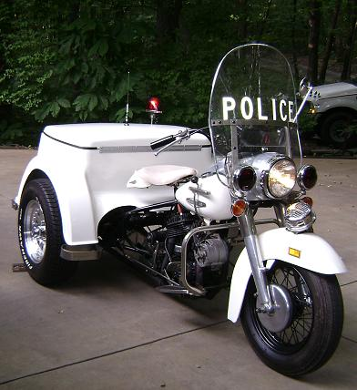 1969 Harley Davidson Police Motorcycle - Front Vie